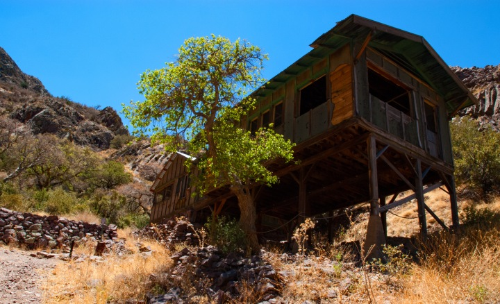 Old cabin 1