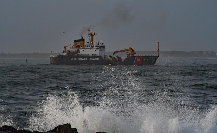 Coast Guard Cutter - sea wp