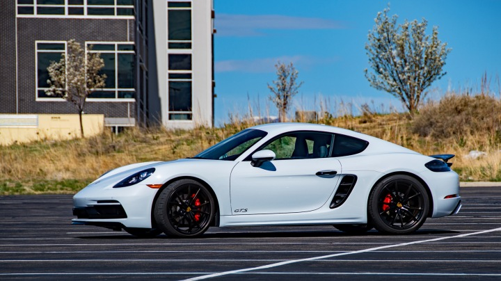 Cayman GTS profile wp